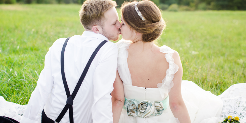 https://www.hendrabarns.co.uk/wp-content/uploads/2014/06/slider-wedding.png