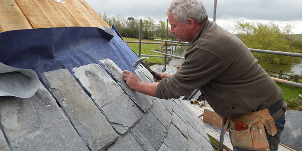 https://www.hendrabarns.co.uk/wp-content/uploads/2015/04/roof-slating-PANO1.jpg